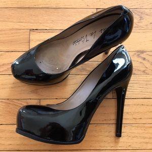 Pour La Victoire Irina Black Patent Heels 8 M